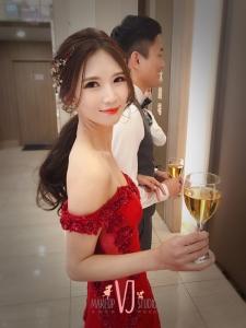 VIVI新娘吳彥