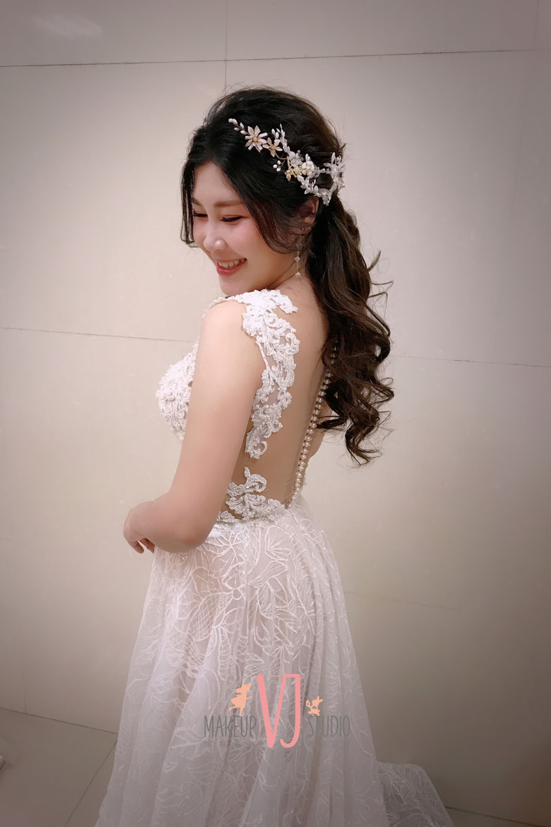 vivi新娘艾萱