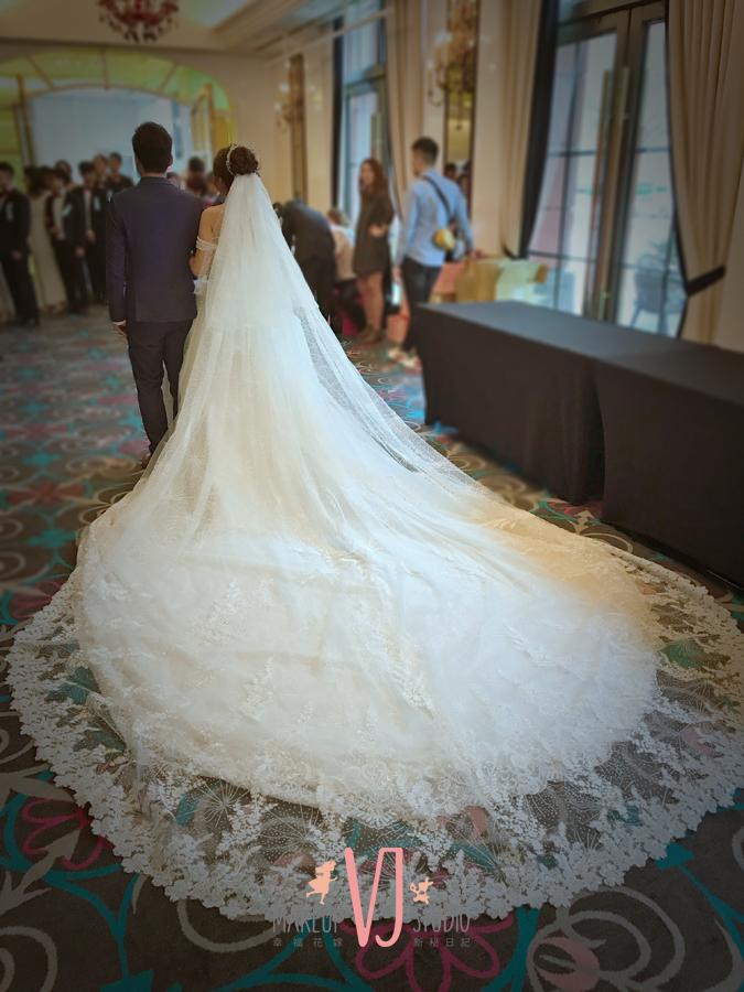 VIVI新娘佩臻